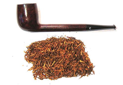 غالبا ما يستخدم التبغ الجاف من قبل الناس ضد العث ، ولكن من غير المرغوب فيه طيها في جيوب الملابس بسبب الرائحة الغريبة القوية
