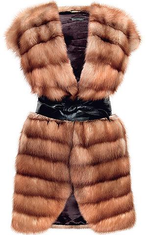 حتى لو كان معطف الفرو المفضل لديك يؤكل بكثافة ، يمكنك دائماً أن تجعل منه سترة الفراء فائقة المألوف