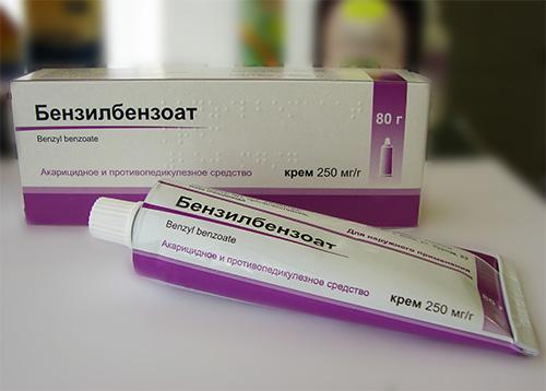 جنبا إلى جنب مع العديد من الأدوية الحديثة ، لا يزال البنزيل بنزوات قديمة إلى حد ما العلاج الشعبي للقمل.