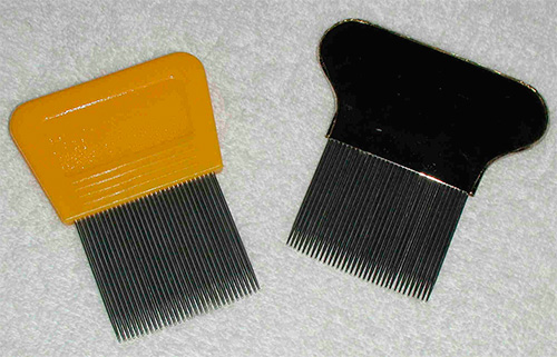 Comb for lice combing