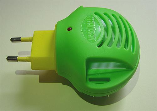 ด้วยความช่วยเหลือของ fumigator และจานฆ่าแมลงพิเศษที่คุณมีประสิทธิภาพสามารถต่อสู้กับผีเสื้อในตู้