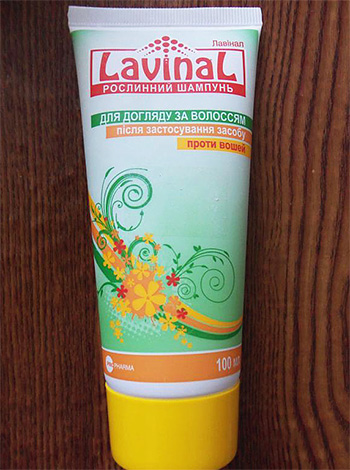 Natural shampoo against lice in children Lavinal